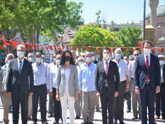 CHP GENÇLİĞİ ATATÜRK'ÜN HUZURUNDA