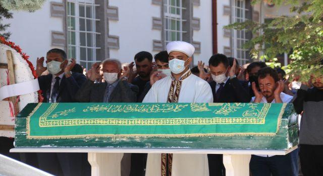 CHP Sultanhanı İlçe Başkanı Karacaer son yolculuğuna uğurlandı