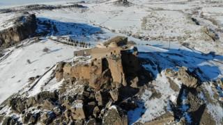 Yüksek Kilise görkemli duruşuyla kış mevsiminde de büyülüyor