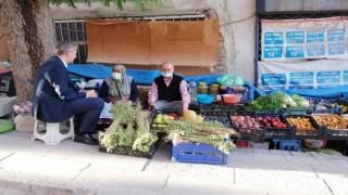 AK Partili heyet ziyaretlerde bulundu