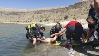 Krater gölüne giren genç hayatını kaybetti