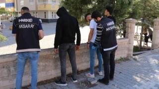 Narkotik Ekipleri Okul Önlerini Adeta Abluka Altına Aldı